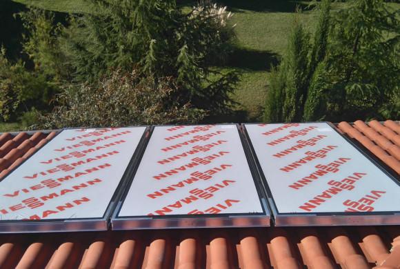 Plocasti solarni paneli